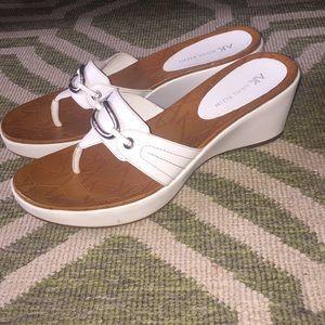 Ann Klein White Wedge Leather Sandals 9M EUC